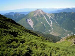 霞沢岳から見た焼岳