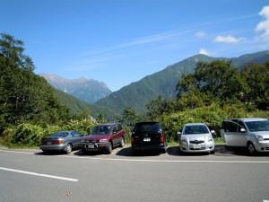 新中ノ湯コース入口の駐車場