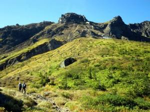中尾峠から焼岳の斜面を登る
