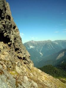 焼岳北峰頂上付近から見た笠ヶ岳