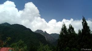 中尾高原から見た夏の錫杖岳