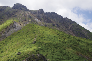 中尾峠展望台から見た夏の焼岳
